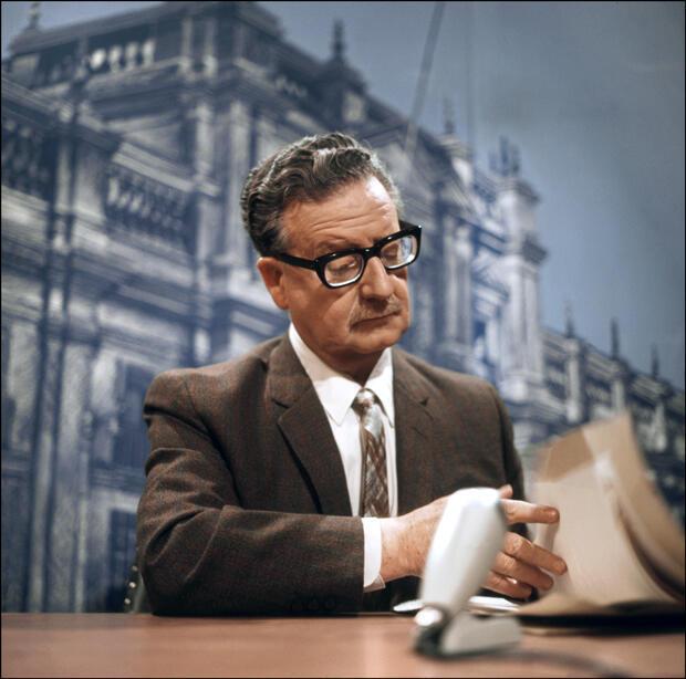 Fotografía tomada el 30 de abril de 1971 en Santiago muestra al presidente chileno Salvador Allende.