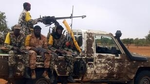 Des soldats maliens en patrouille, le 18 juillet 2011.