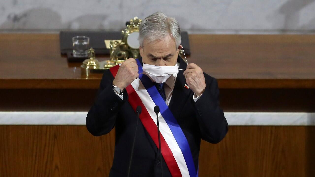 El presidente de Chile, Sebastián Piñera, se prepara para hablar frente al Congreso Nacional en Valparaíso el 31 de julio de 2020.