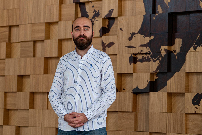 'Turquía no es un gueto de expatriados', dice Burke Das, líder adjunto del partido antiinmigración CHP en la sucursal de Estambul.