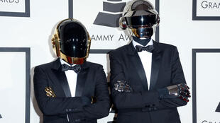 Le duo Daft Punk lors des Grammy Awards, le 26 janvier 2014, à Los Angeles.