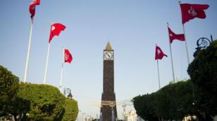 Des drapeaux tunisiens près de la place du 14janvier2011, au centre de Tunis, le 19octobre2011.