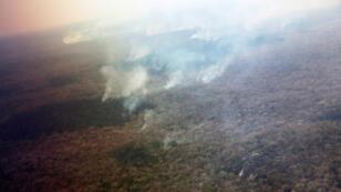 Vista de las fuentes de calor durante un vuelo sobre las áreas donde los incendios forestales han destruido hectáreas de bosque, en la provincia de Charagua, Bolivia, el 27 de agosto de 2019.