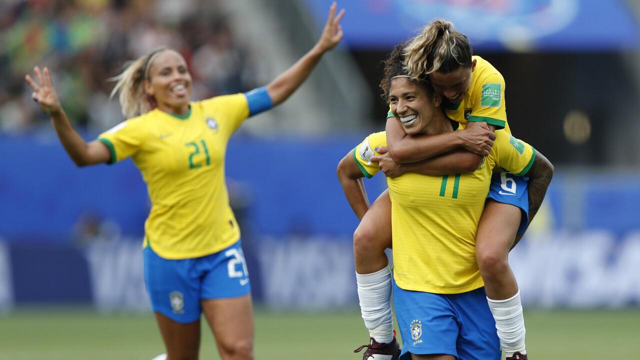 Cristiane Rozeira De Souza Silva de Brasil celebra un gol durante el partido de primera ronda entre Brasil y Jamaica en la Copa Mundial Femenina de la FIFA 2019 en Grenoble, Francia, el 9 de junio de 2019.