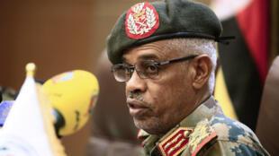 Le ministre soudanais de la Défense Aouad Ibn Aouf, à Khartoum le 22octobre2018.