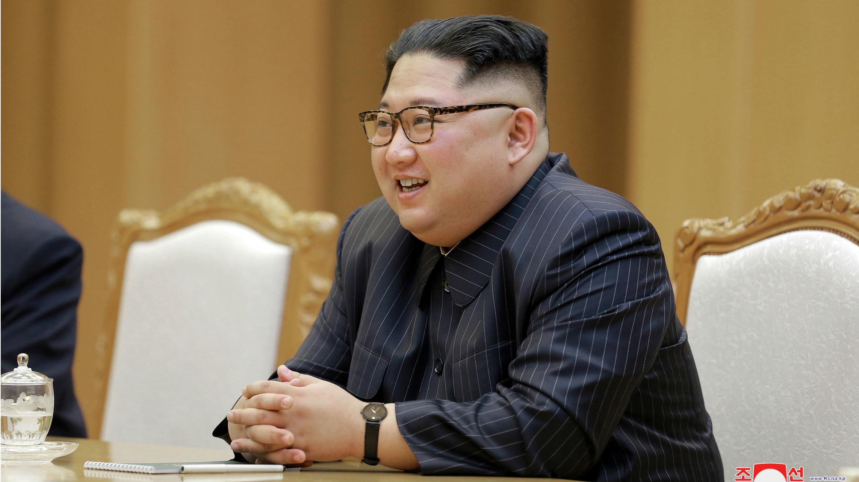 El líder norcoreano enviará una delegación de 29 funcionarios para asistir a la primera reunión de alto nivel intercoreana