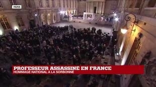 "2020-10-21 19:00 Hommage national au professeur assassiné en France : ""400 personnes"" réunies à la Sorbonne"