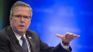 Jeb Bush, donné perdant face à Hillary Clinton, se montre pourtant de plus en plus populaire dans les sondages.