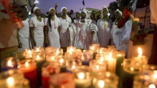 Des milliers d'Haïtiens se sont rassemblés mardi à Port-au-Prince en hommage aux victimes du carnaval.
