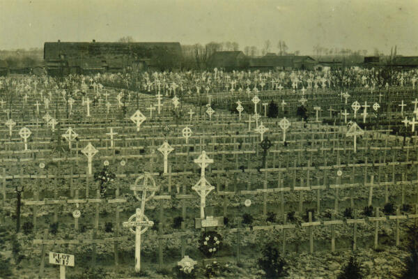 Nearly 11,000 people are buried in the military cemetery of Passchendaele.