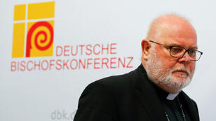 El cardenal Reinhard Marx, presidente de la Conferencia Episcopal Alemana, en la conferencia de prensa para presentar los resultados de un estudio sobre el abuso sexual de sacerdotes católicos a miles de niños, en Fulda, Alemania, el 25 de septiembre de 2018.