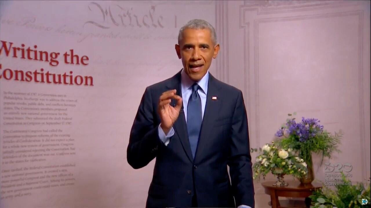 El expresidente de Estados Unidos, Barack Obama, durante su discurso en la Convención Nacional Demócrata, en Filadelfia, EE. UU., el 19 de agosto de 2019.