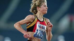 L'athlète américaine Libbie Johnson courant le 5000 mètres pendant les qualifications des JO 2016.