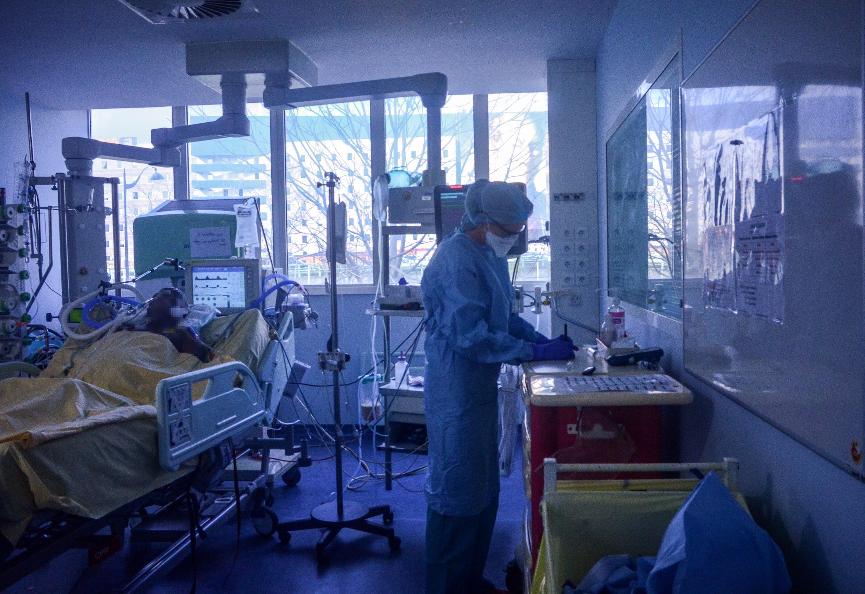 Hôpital Bichat à Paris, le 13 mars 2020.