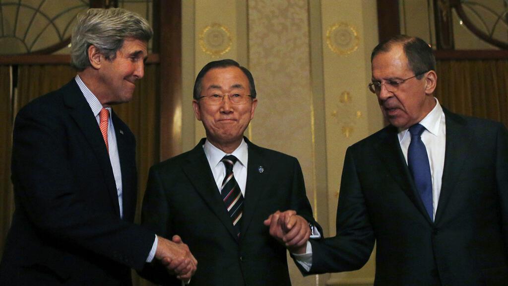 John Kerry, Ban Ki-moon et Sergey Lavrov (de gauche à droite)