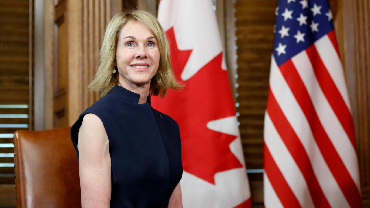 La embajadora de los Estados Unidos en Canadá Kelly Craft durante una reunión con el primer ministro Justin Trudeau en Ottawa, Canadá, el 3 de noviembre de 2017.
