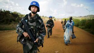 Des casques bleus qui patrouillent à Juba, capitale du Soudan du Sud, le 4 octobre 2016.