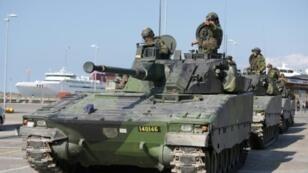 أعلنت السويد أنها ستعيد العمل بالخدمة العسكرية التي ألغيت عام 2010 لمواجهة تطورات الوضع الأمني مع إعادة تسلح روسيا المجاورة
