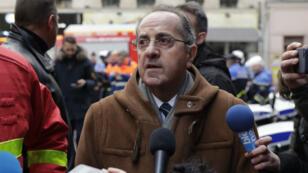 Le préfet de police de Paris, Michel Delpuech, répond aux questions des journalistes après l'explosion d'une boulangerie rue de Trévise dans le centre de Paris, le 12 janvier 2019.