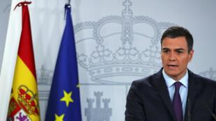 El Presidente de España, Pedro Sánchez, realiza una declaración sobre la crisis política en Venezuela en el Palacio de Moncloa en Madrid, España, el 4 de febrero de 2019.
