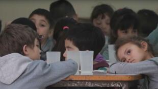 Des élèves d'une école primaire d'un quartier populaire de Buenos Aires.