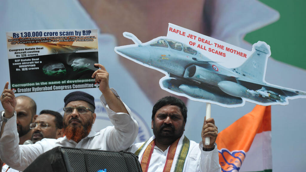 French Rafale jets deal sparks political storm in India