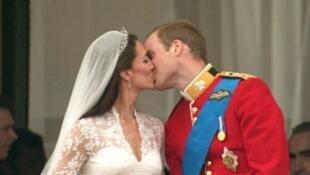 دوقة كامبريدج كايت ميدلتون مع زوجها الأمير وليام