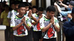 Certains des enfants secourus, lors de la conférence de presse à Chiang Rai, le 18 juillet 2018.