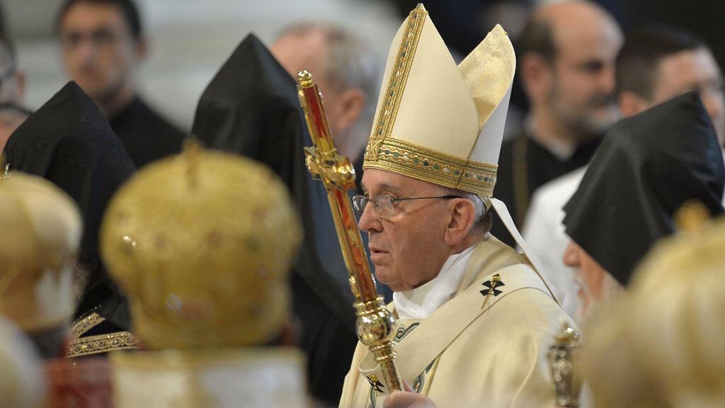 Le pape s'est exprimé à la basilique Saint-Pierre de Rome, dimanche 12 avril, à l'ouverture d'une messe à la mémoire des Arméniens massacrés entre 1915 et 1917.