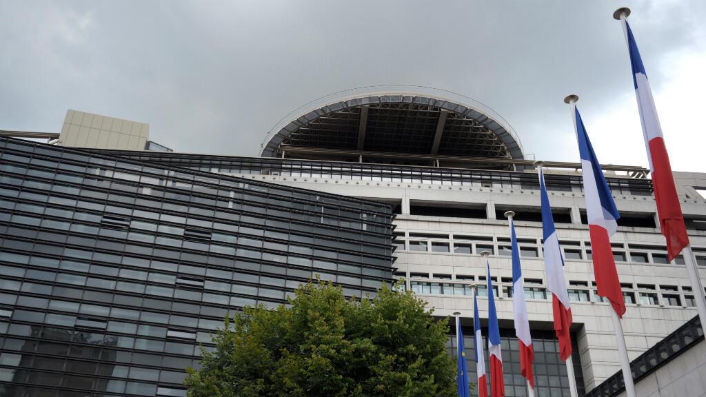 Le ministre de l'Économie, Bruno Le Maire, a assuré, mardi, que des sanctions seraient engagés contre les résidents fiscaux français, si leur existence était avérée.