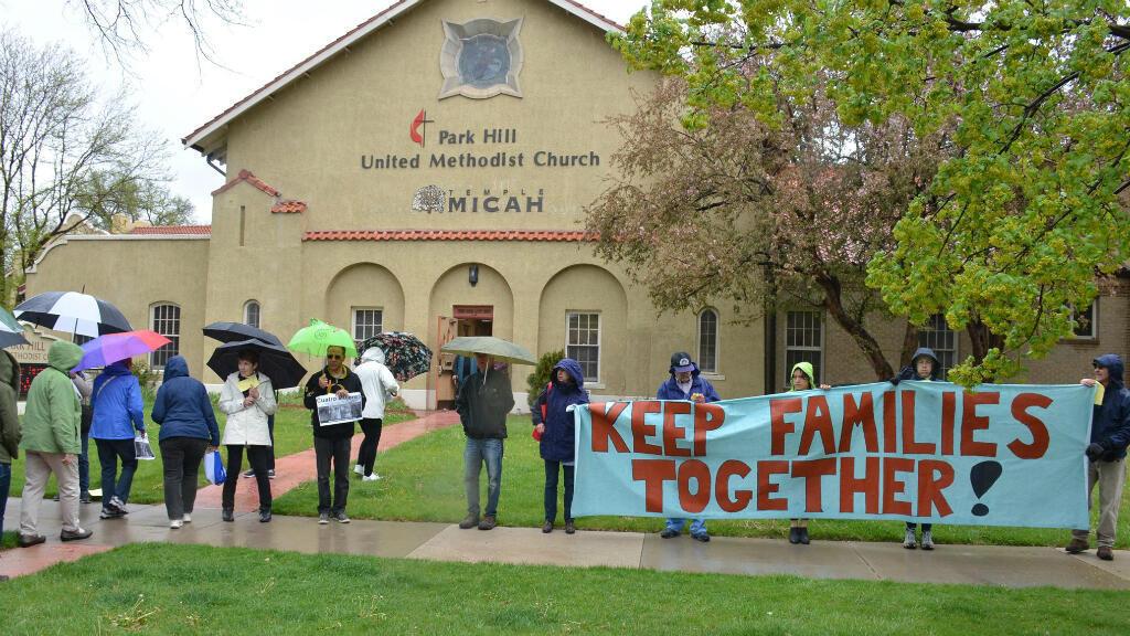 Integrantes de la iglesia Park Hill realizaron una actividad para respaldar a Araceli Velásquez por su situación el 9 de agosto de 2018.