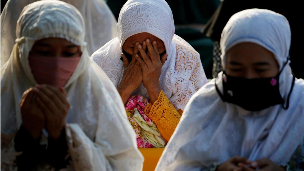 Muslims around the world perform Eid prayers amid Covid 10 ...