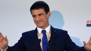 "Manuel Valls reproche à Benoît Hamon ses ""ambiguïtés"" sur l'islamisme."