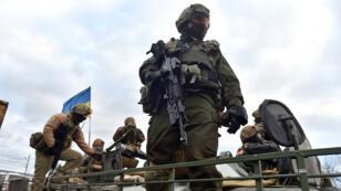 Soldat ukrainien à Debaltseve (région de Donetsk), le 4 décembre 2014.