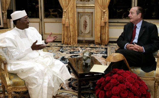 Le président tchadien et Jacques Chirac, son homologue français d'alors, à l'Élysée, le 21 janvier 2005.