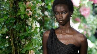 Défilé Dior haute couture à Paris, le 1er juillet 2019