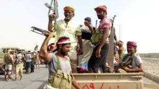 القوات الموالية للحكومة المعترف بها دوليا في اليمن بالقرب من الحديدة (غرب)
