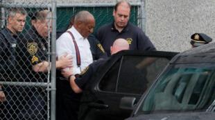 El comediante Bill Cosby fue sentenciado a cumplir una pena en prisión entre tres y 10 años por cargos de agresión sexual este 25 de septiembre de 2018