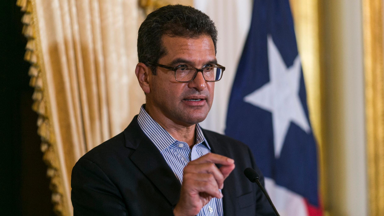 Pedro Pierluisi, quien juró como gobernador de Puerto Rico la semana pasada, habla durante una conferencia de prensa en la mansión gubernamental La Fortaleza en San Juan, Puerto Rico, el martes 6 de agosto de 2019.