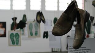 """L'exposition """"huellas de la memoría"""" met en lumière les familles qui recherchent leurs disparus au Mexique."""