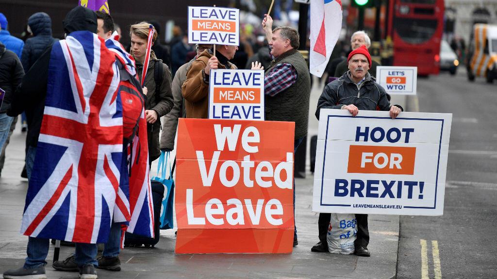 Manifestantes a favor del Brexit protestan en el exterior del Parlamento británico, el 29 de enero de 2019 en Londres, Reino Unido.