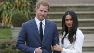 Príncipe Harry y su novia Meghan Markle anunciaron su compromiso desde el Palacio de Kensigton. 27 de noviembre de 2017