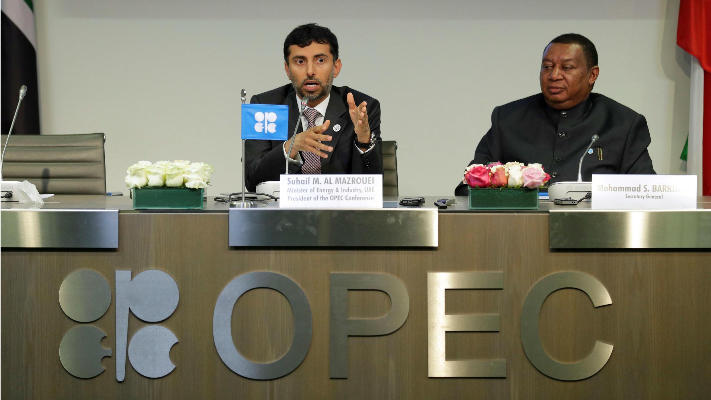 Suhail M. Al Mazrouer, Presidente de la Opep y Ministr ode Energía e Industria de los EAU anunció el aumento en la producción de petróleo por parte de los 14 integrantes de la organización.