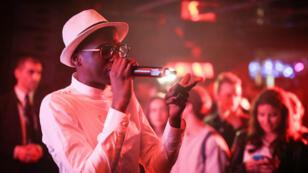 Le rappeur MHD, star de l'afro trap, en concert à la Villa Schweppes à Cannes, le 15 mai 2016.