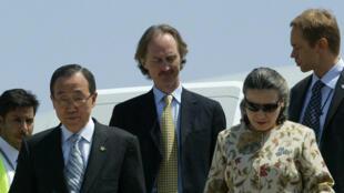 Geir Pedersen (au centre) en 2007, en compagnie de Ban Ki-moon (à gauche), alors secrétaire général de l'ONU.