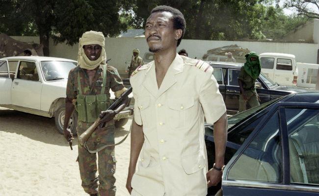 Idriss Déby Itno lors de son arrivée au pouvoir le 8 décembre 1990 à N'Djamena.