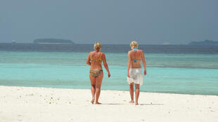 The shutting of the Maldives' lucrative tourism industry has taken a heavy toll on the economy
