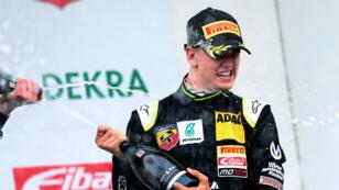 Mick Schumacher a remporté sa toute première victoire en monoplace, samedi 25 avril 2015.