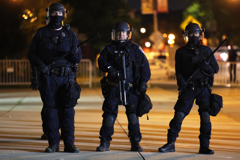 Les policiers de Rochester mobilisés lors d'une manifestation, le 7 septembre 2020, dans l'État de New York.
