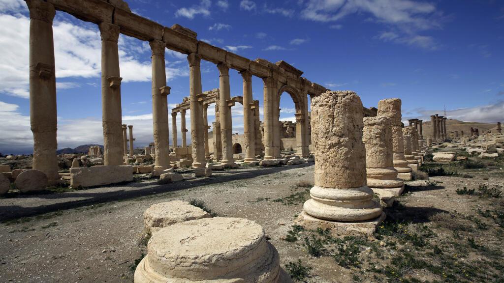 صورة التقطت في 14 آذار/مارس 2014 لجزء من الآثار الرومانية في مدينة تدمر